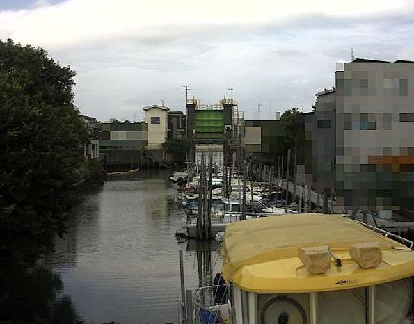 呑川水門ライブカメラは、東京都大田区大森東の呑川水門に設置された内川・海浜公園が見えるライブカメラです。