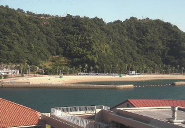 狩留賀海浜公園ライブカメラは、広島県呉市吉浦町の狩留賀海浜公園に設置された狩留賀海水浴場(ロマンチックビーチかるが)が見えるライブカメラです。