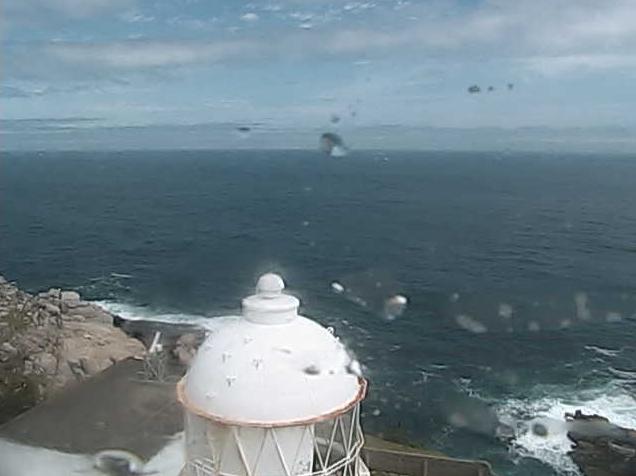 金華山灯台ライブカメラは、宮城県石巻市鮎川浜の金華山灯台に設置された牡鹿半島・金華山東岸・太平洋が見えるライブカメラです。