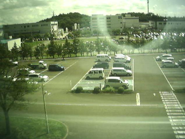 福島県ハイテクプラザライブカメラは、福島県郡山市待池台の福島県ハイテクプラザに設置された郡山市上空・駐車場が見えるライブカメラです。