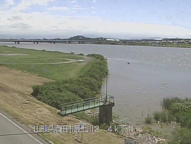 最上川下瀬ライブカメラは、山形県酒田市の下瀬に設置された最上川が見えるライブカメラです。