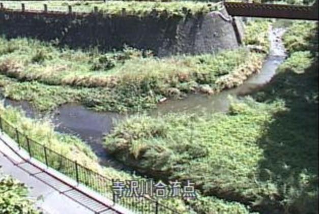 土淵川寺沢川合流点ライブカメラは、青森県弘前市新寺町の寺沢川合流点に設置された土淵川が見えるライブカメラです。