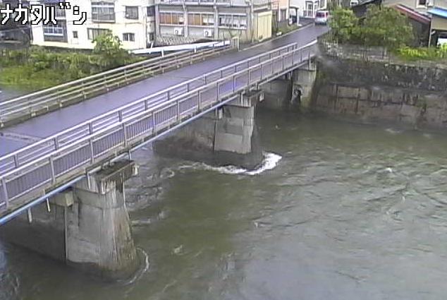 馬淵川中田橋ライブカメラは、岩手県一戸町一戸の中田橋に設置された馬淵川・岩手県道210号一戸浄法寺線が見えるライブカメラです。