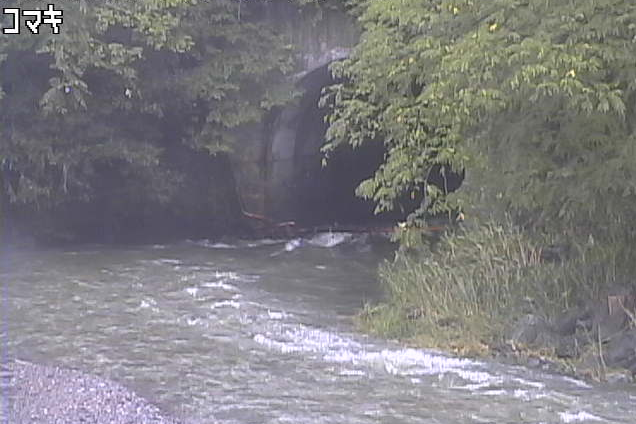 馬淵川駒木下流部管ライブカメラは、岩手県一戸町小鳥谷の駒木下流部管に設置された馬淵川が見えるライブカメラです。