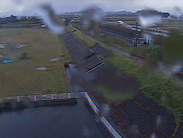 山内川山内川調整池ライブカメラは、宮崎県宮崎市赤江の山内川調整池に設置された山内川が見えるライブカメラです。