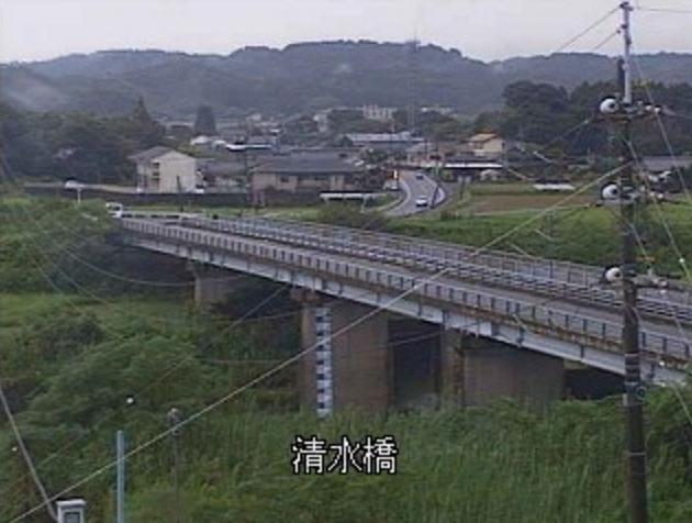三財川清水橋ライブカメラは、宮崎県西都市清水の清水橋に設置された三財川が見えるライブカメラです。