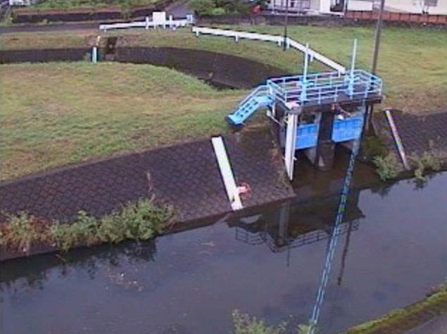 姫城川姫城川放水路ライブカメラは、宮崎県都城市若葉町の姫城川放水路に設置された姫城川が見えるライブカメラです。