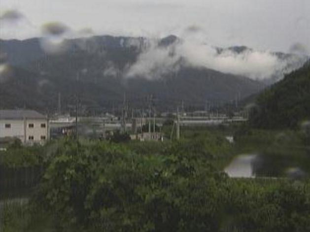 国分川森田堰ライブカメラは、高知県南国市の森田堰に設置された国分川が見えるライブカメラです。