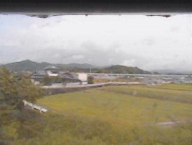 烏川千鳥橋ライブカメラは、高知県香南市吉川町の千鳥橋に設置された烏川が見えるライブカメラです。
