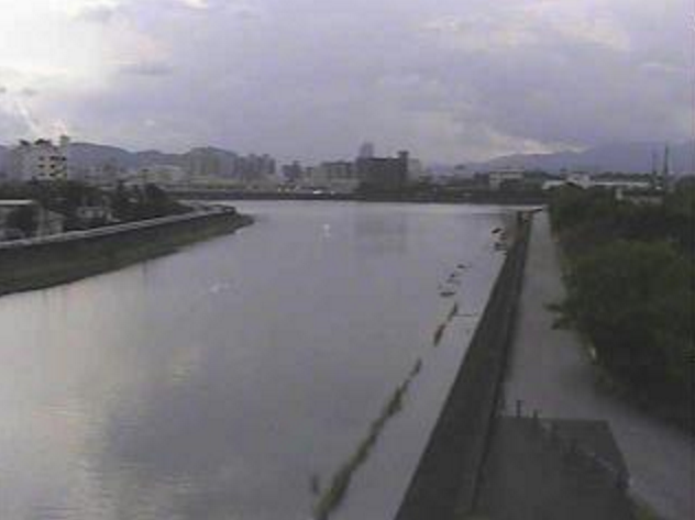 舟入川高知県立美術館ライブカメラは、高知県高知市高須の高知県立美術館に設置された舟入川が見えるライブカメラです。