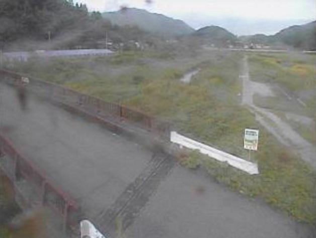 日下川龍石橋ライブカメラは、高知県日高村本郷の龍石橋に設置された日下川が見えるライブカメラです。