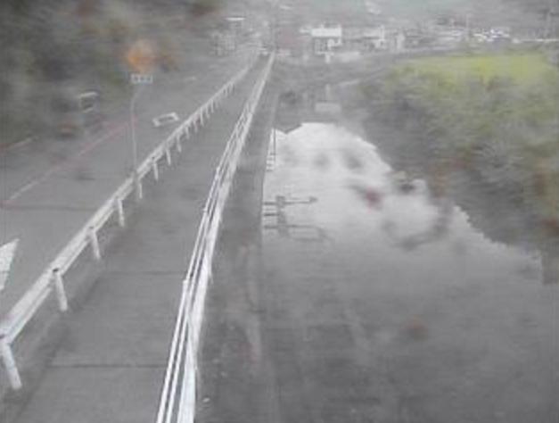 桜川鯛の川口橋ライブカメラは、高知県須崎市吾井郷乙の鯛の川口橋に設置された桜川が見えるライブカメラです。