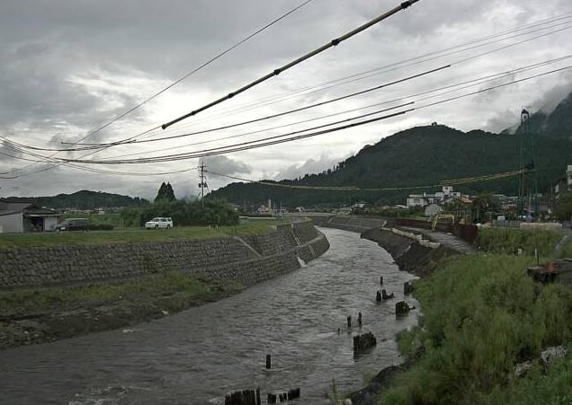 黒川内牧地区工事進捗管理第2ライブカメラは、熊本県阿蘇市内牧下町の内牧地区に設置された黒川が見えるライブカメラです。