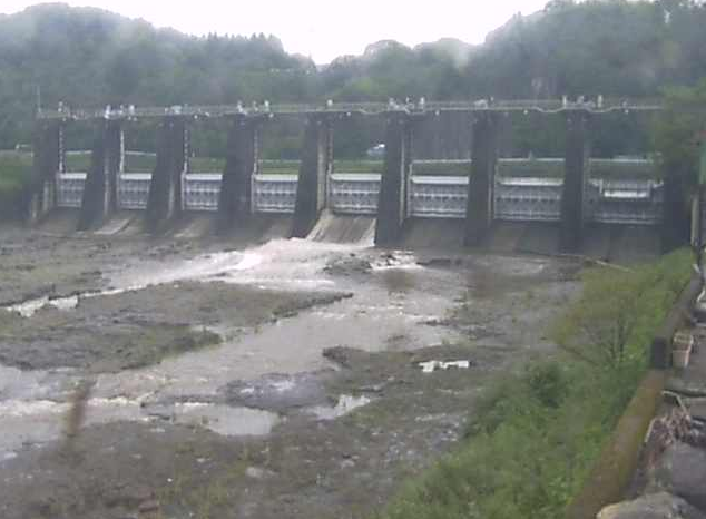 竹田調整池堰下流ライブカメラは、大分県竹田市竹田の竹田調整池堰に設置された竹田ダムが見えるライブカメラです。