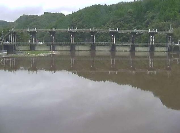竹田調整池堰上流ライブカメラは、大分県竹田市竹田の竹田調整池堰に設置された魚住ダム湖が見えるライブカメラです。