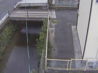 明星寺川登々樹橋ライブカメラは、福岡県飯塚市潤野の登々樹橋に設置された明星寺川が見えるライブカメラです。