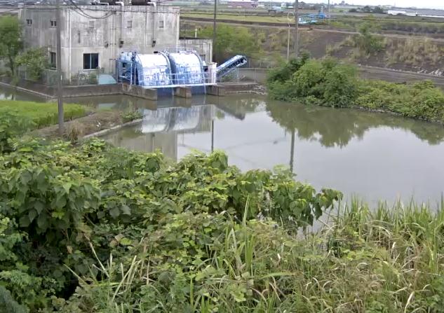 福所江川新村排水機場ライブカメラは、佐賀県小城市芦刈町の新村排水機場に設置された福所江川が見えるライブカメラです。