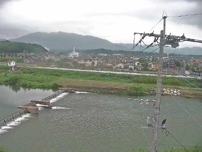 泉河内川天道公民館ライブカメラは、福岡県飯塚市天道の天道公民館に設置された泉河内川が見えるライブカメラです。