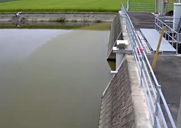 嘉瀬川三日月排水機場ライブカメラは、佐賀県小城市三日月町の三日月排水機場に設置された嘉瀬川が見えるライブカメラです。