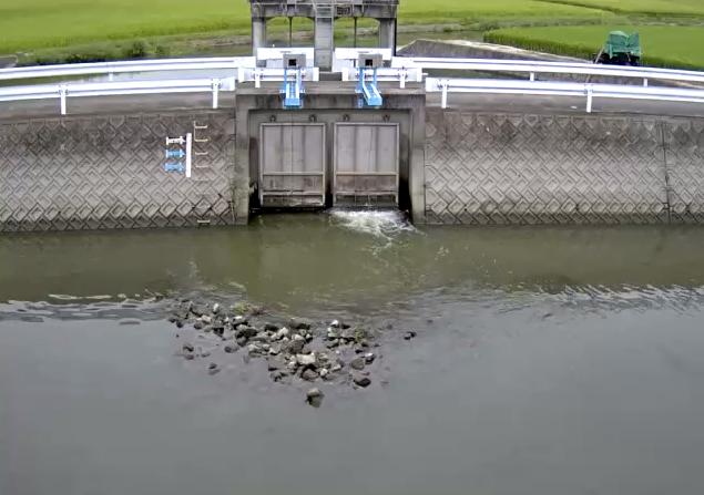 牛津川友田排水機場ライブカメラは、佐賀県小城市牛津町の友田排水機場に設置された牛津川が見えるライブカメラです。