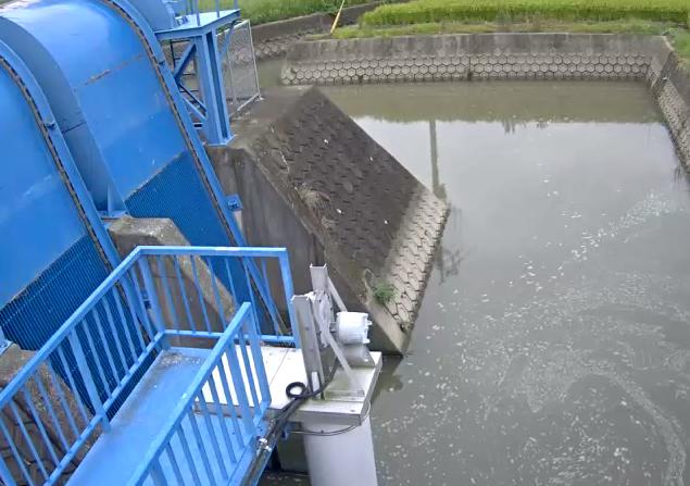 牛津川橋内排水機場ライブカメラは、佐賀県小城市小城町の橋内排水機場に設置された牛津川が見えるライブカメラです。