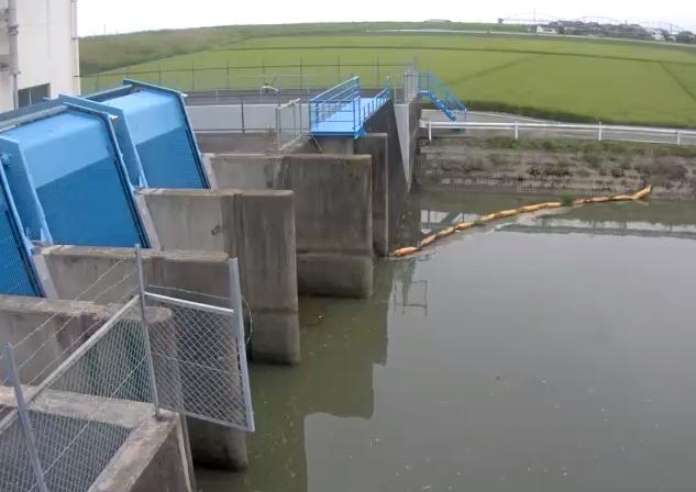 牛津川満神排水機場ライブカメラは、佐賀県小城市牛津町の満神排水機場に設置された牛津川が見えるライブカメラです。