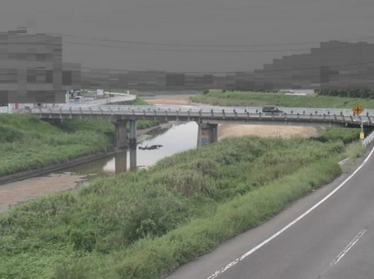 高瀬川三野橋ライブカメラは、香川県三豊市三野町の三野橋に設置された高瀬川が見えるライブカメラです。