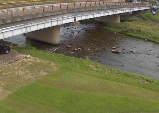 円山川栄町ライブカメラは、兵庫県朝来市和田山町の栄町(加都橋)に設置された円山川が見えるライブカメラです。