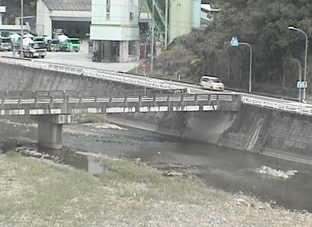 佐用川佐用ライブカメラは、兵庫県佐用町佐用の佐用に設置された佐用川が見えるライブカメラです。