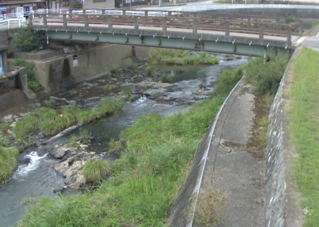 江川川豊福ライブカメラは、兵庫県佐用町の豊福(新中渡橋)に設置された江川川が見えるライブカメラです。