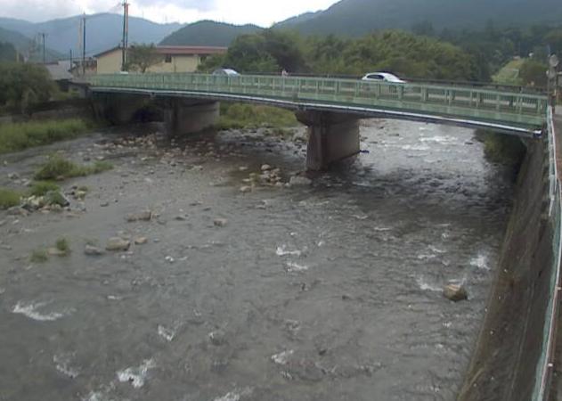 引原川杉田ライブカメラは、兵庫県宍粟市一宮町の杉田(杉田橋)に設置された引原川が見えるライブカメラです。
