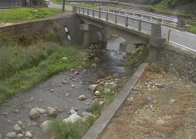 草木川福中ライブカメラは、兵庫県宍粟市一宮町の福中(福住橋)に設置された草木川が見えるライブカメラです。