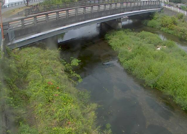 菅野川千本屋ライブカメラは、兵庫県宍粟市山崎町の千本屋(城下橋)に設置された菅野川が見えるライブカメラです。