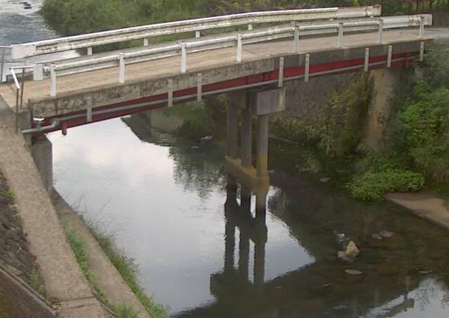 稲葉川稲葉ライブカメラは、兵庫県豊岡市日高町の稲葉に設置された稲葉川が見えるライブカメラです。