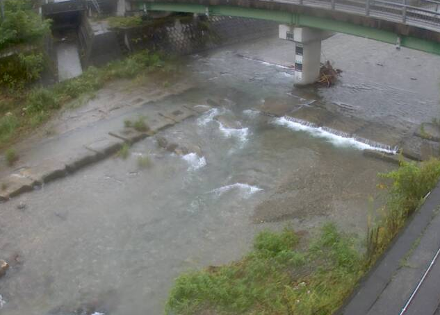 神子畑川神子畑ライブカメラは、兵庫県朝来市佐嚢の神子畑に設置された神子畑川が見えるライブカメラです。