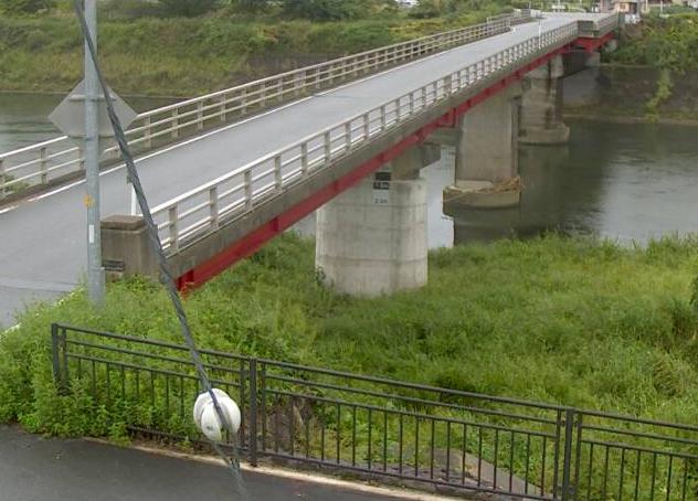 円山川米地橋ライブカメラは、兵庫県養父市養父市場の米地橋に設置された円山川が見えるライブカメラです。