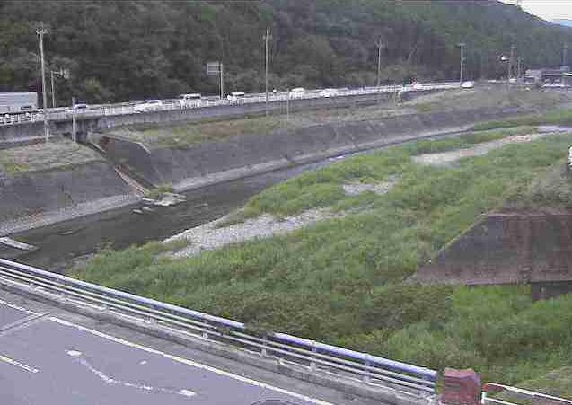 岩野川小坂橋ライブカメラは、熊本県山鹿市小坂の小坂橋に設置された岩野川が見えるライブカメラです。