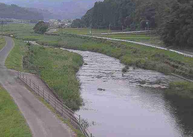 上内田川長谷橋ライブカメラは、熊本県山鹿市菊鹿町長の長谷橋に設置された上内田川が見えるライブカメラです。