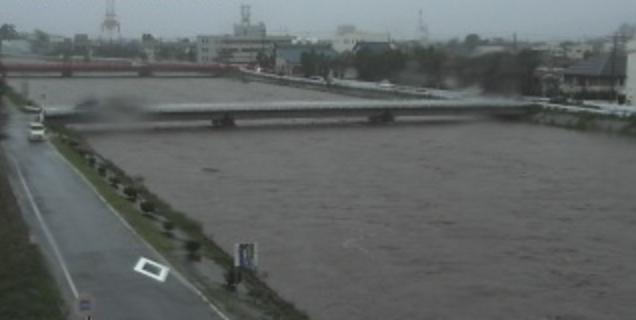 RCN笙の川ライブカメラは、福井県敦賀市の笙の川に設置された笙の川が見えるライブカメラです。