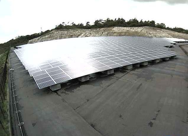 いちご土岐下石町ECO発電所ライブカメラは、岐阜県土岐市下石町のいちご土岐下石町ECO発電所に設置された太陽光発電所(メガソーラー)が見えるライブカメラです。