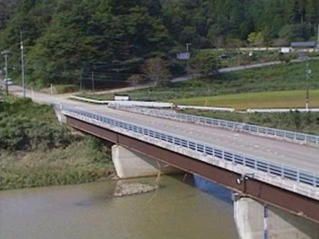 五十鈴川更生橋ライブカメラは、宮崎県門川町川内の更生橋に設置された五十鈴川が見えるライブカメラです。