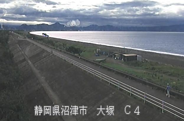 富士海岸大塚ライブカメラは、静岡県沼津市の大塚に設置された富士海岸が見えるライブカメラです。