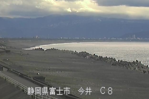 富士海岸今井ライブカメラは、静岡県富士市の今井に設置された富士海岸が見えるライブカメラです。