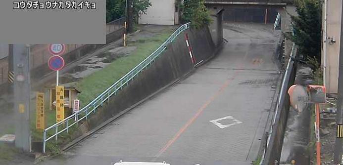 仲田ガードライブカメラは、愛知県幸田町芦谷の仲田ガード(仲田架道橋)に設置された架道橋が見えるライブカメラです。