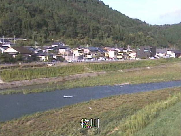 牧川十二橋ライブカメラは、京都府福知山市十二の十二橋に設置された牧川が見えるライブカメラです。