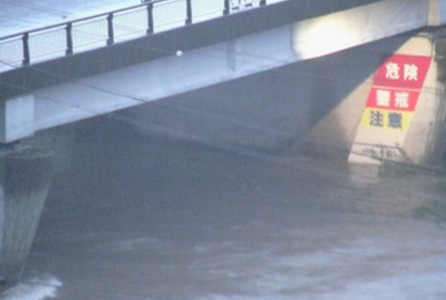土岐川明徳橋ライブカメラは、岐阜県瑞浪市上平町の瑞浪市役所に設置された土岐川が見えるライブカメラです。独自配信による静止画のライブ映像配信です。瑞浪市役所による配信。