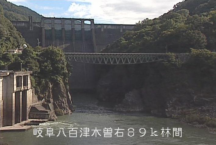 丸山ダム林間公園ライブカメラは、岐阜県八百津町八百津の林間公園に設置された丸山ダムが見えるライブカメラです。