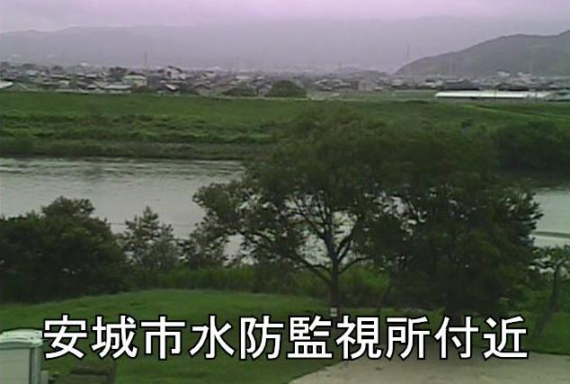 矢作川安城市水防監視所ライブカメラは、愛知県安城市小川町の安城市水防監視所に設置された矢作川が見えるライブカメラです。
