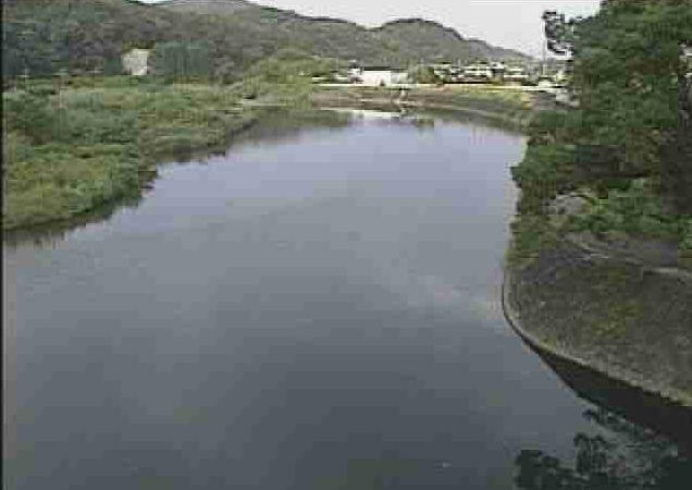 水俣川古城ライブカメラは、熊本県水俣市の古城(オレンジ鉄道橋下流)に設置された水俣川が見えるライブカメラです。