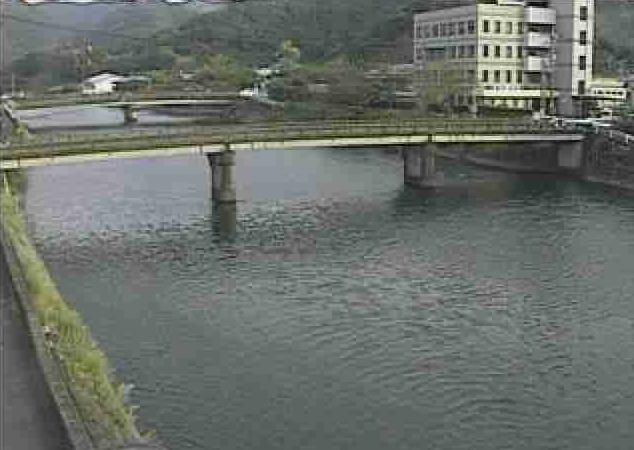 佐敷川佐敷ライブカメラは、熊本県芦北町の佐敷(山崎橋上流)に設置された佐敷川が見えるライブカメラです。
